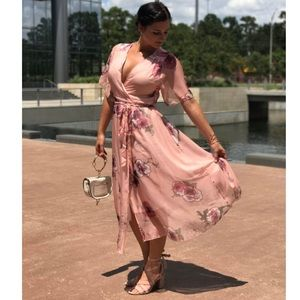 Dresses & Skirts - Romantic Pink Floral Summer Wrap Dress